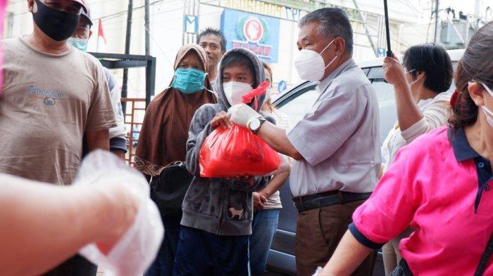 Uskup Agung Mgr Agustinus dan Kongregasi MTB Bagikan 250 Paket Sembako