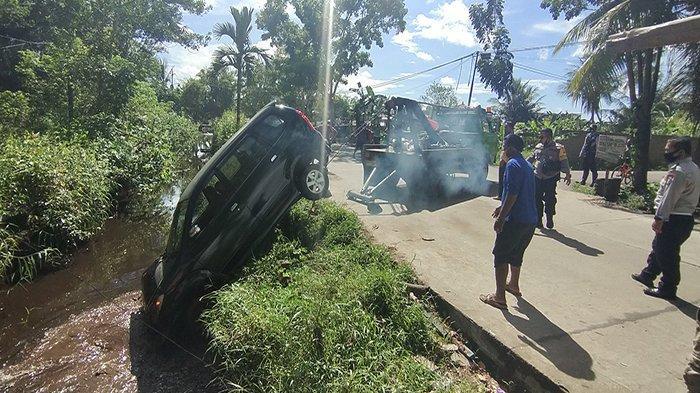 Laka Beruntun Mobil Dinas Camat Pontianak Selatan, Saksi Ungkap Kronologi Kecelakaan