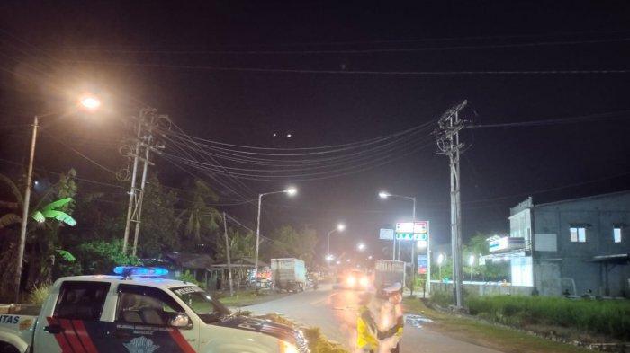 Cegah Covid-19 dan Balapan Liar, Personel Satlantas Patroli Malam di Sekitar Sambas Kota
