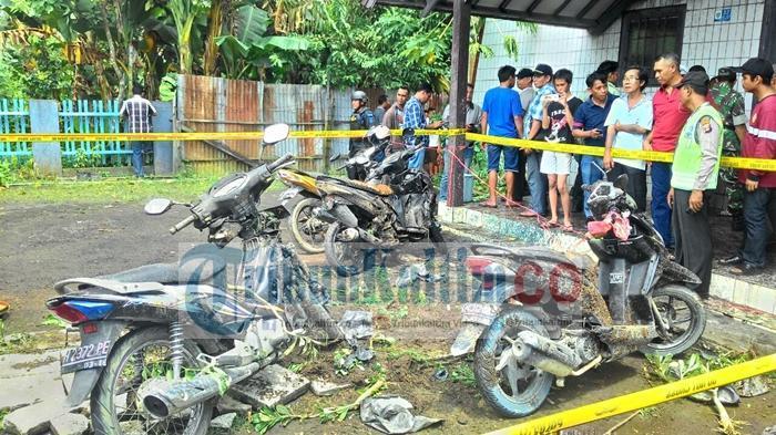 Diduga Pelaku Pengeboman Gereja Bawa Bom Naik Sepeda Motor