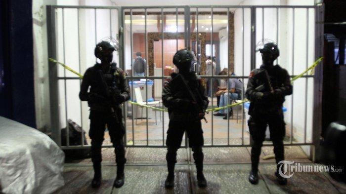 Munarman Ditangkap Densus 88, Polisi Geledah Eks Markas FPI dan Hasil Temuannya