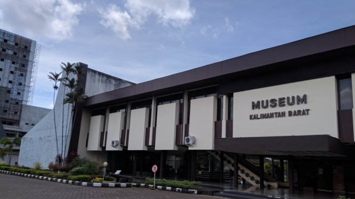 TRIBUN WIKI: Ingin Wisata Sejarah Dekat Jalan Protokol? Museum Kalimantan Barat Jawabannya