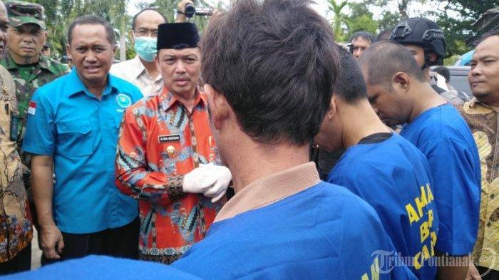 FOTO: Wakil Gubernur Kalbar Ria Norsan Dalam Press Release Kasus Narkoba BNN Kota Pontianak - musnahkan-sabu5.jpg