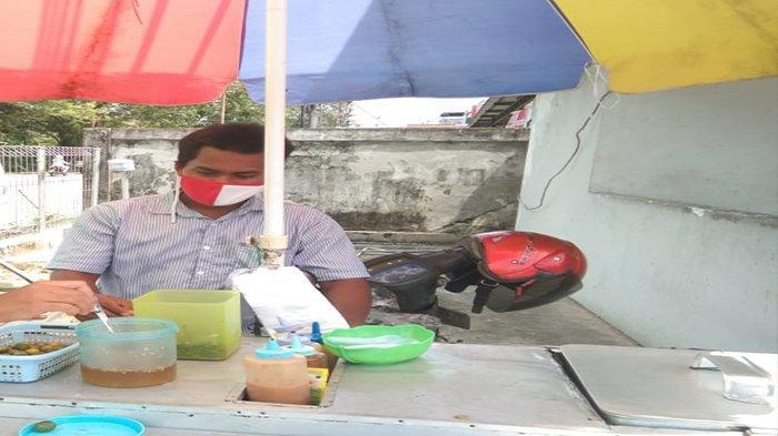 Omset Turun Drastis, Pedagang Pentol di Pontianak Ini Tetap Bertahan di Tengah Pandemi Covid-19