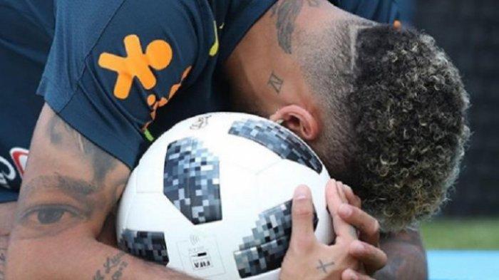 Jelang Duel Brasil Versus Meksiko, Obrolan Neymar dan Kekasihnya Bruna Marquezine Viral