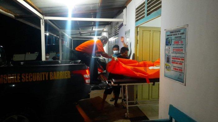 AS (34) pria asal Dusun Tanjung Maya Desa Tanap Kecamatan Kembayan Kabupaten Sanggau, ditemukan meninggal setelah meminum racun rumput, Selasa 12 Oktober 2021 malam.