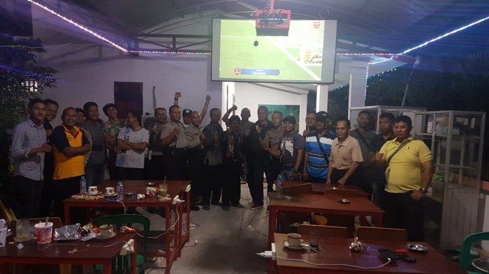 Polsek Pontianak Timur Gelar Nobar Piala Dunia 2018