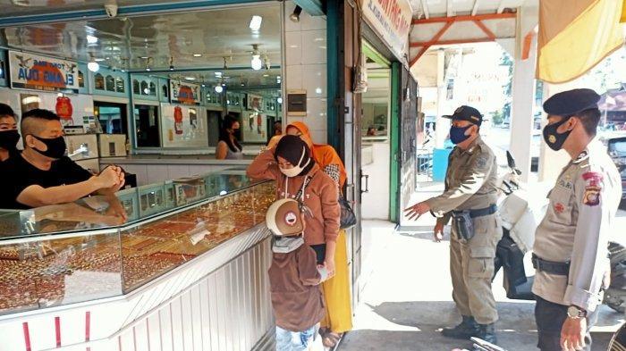 Brimob Kalbar Lakukan Patroli Gabungan Ciptakan Situasi Kamtibmas yang Kondusif di Singkawang