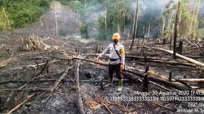 Anggota Polsek Bonti Polres Sanggau Lakukan Pengecekan Titik Hotspot