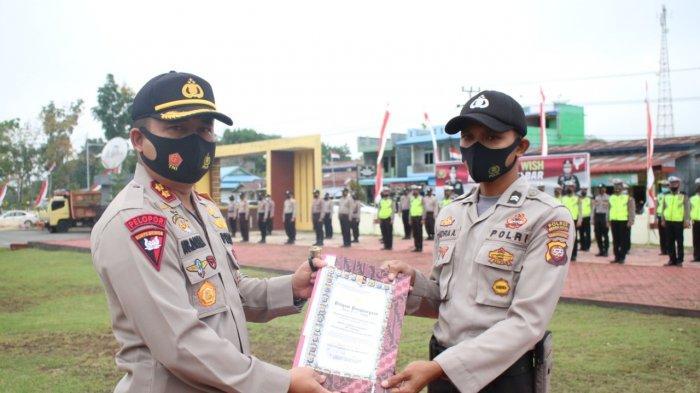 Satu Personel Polres Bengkayang Dapat Penghargaan dari Kapolda Kalbar