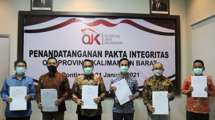 Pegawai OJK Kalbar Teken Pakta Integritas