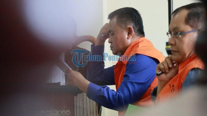 FOTO: Sidang Lanjutan Pemeriksaan Saksi dengan Terdakwa Suryadman Gidot - orangegidotsidang-2.jpg