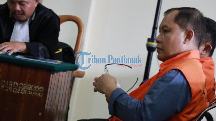 FOTO: Sidang Lanjutan Pemeriksaan Saksi dengan Terdakwa Suryadman Gidot - orangegidotsidang.jpg