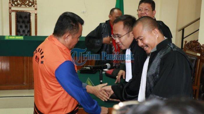 FOTO: Sidang Lanjutan Pemeriksaan Saksi dengan Terdakwa Suryadman Gidot - orangekpkgidot-sidang.jpg