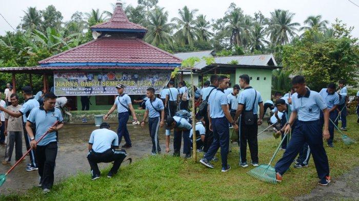 Tingkatkan Kemanunggalan TNI dengan Rakyat