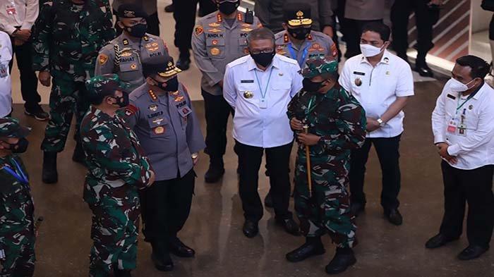 Panglima TNI dan Kapolri Sampaikan Pesan Khusus Penangangan COVID-19 Saat Kunjungan Kerja ke Kalbar
