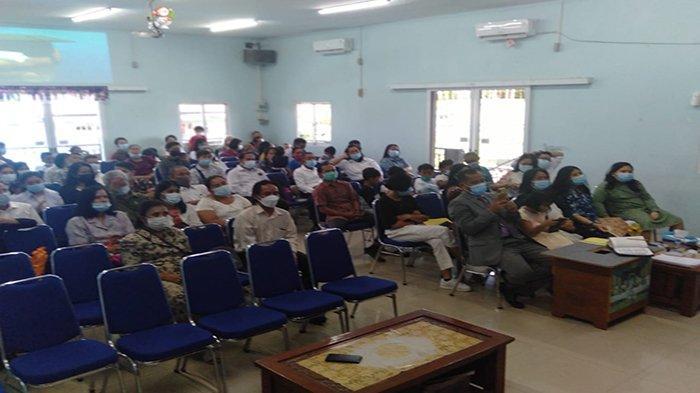 Panit Sabhara Polsek Pontianak Timur Sampaikan Ceramah Kamtibmas di Gereja Kemah Injil