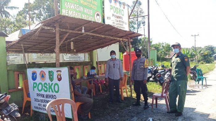 Bhabinkamtibmas Polsek Monterado Pantau Posko PPKM & Pantau Penyaluran BLT DD Tahap I Tahun 2021