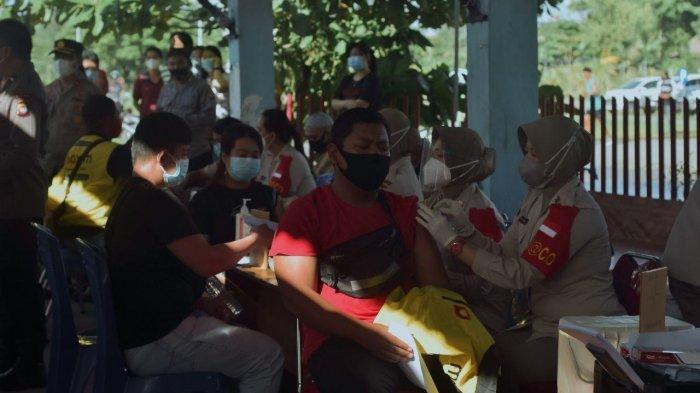 Program vaksinasi upaya untuk mendukung program pemerintah dalam menekan laju penyebaran Covid-19.