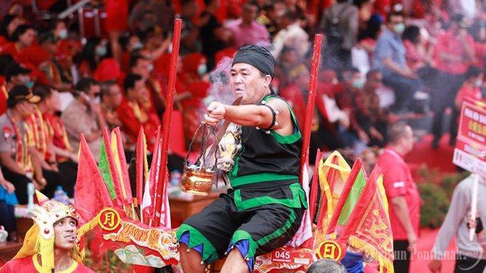 FOTO: Parade Tatung Imlek 2571 dan Cap Go Meh 2020 di Kota Singkawang - parade-tatung-cap-go-meh-singkawang-2020-2.jpg