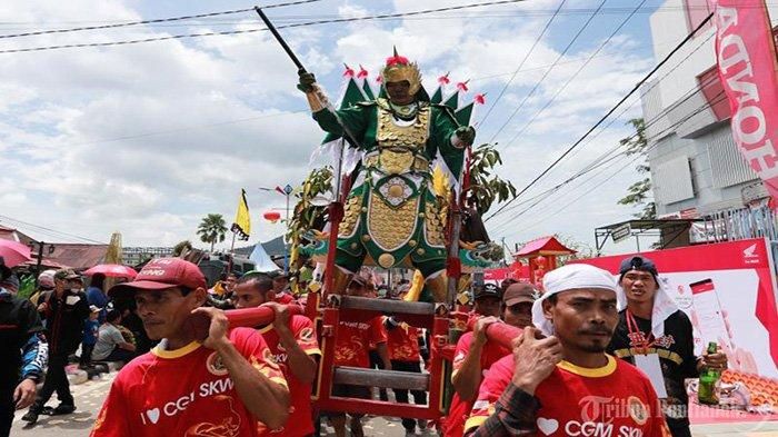 FOTO: Parade Tatung Imlek 2571 dan Cap Go Meh 2020 di Kota Singkawang - parade-tatung-cap-go-meh-singkawang-2020-8.jpg