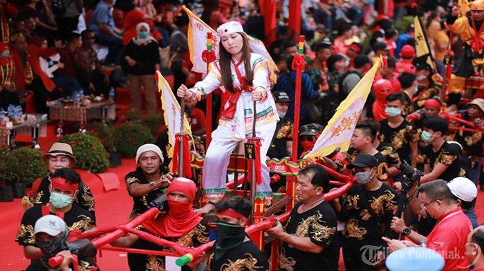 FOTO: Parade Tatung Imlek 2571 dan Cap Go Meh 2020 di Kota Singkawang - parade-tatung-cap-go-meh-singkawang-2020-9.jpg