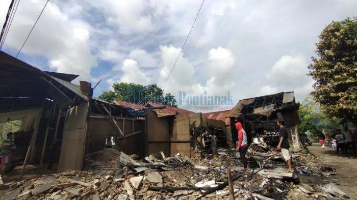 BREAKING NEWS - Satu Ruko Terbakar di Pontianak Utara, Saksi Ungkap Dengar Suara Ledakan