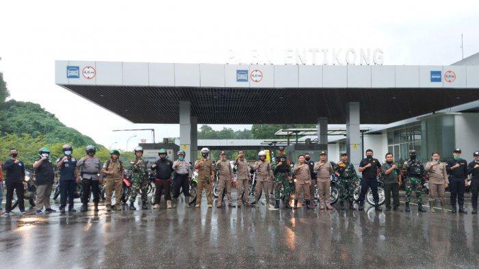 Tingkatkan Keamanan di Perbatasan, Satgas Yonif 642/Kps Gelar Patroli Bersama di Entikong Sanggau