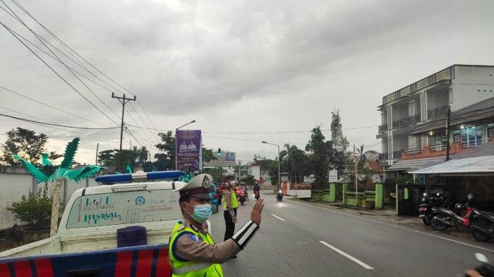 Ciptakan Kamseltibcar Lantas, Satlantas Polres Sambas Patroli di Sekitar Sambas Kota