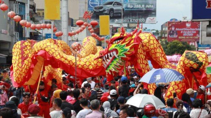 FOTO: Pawai Naga Pada Perayaan Cap Go Meh di Kota Pontianak - pawai-naga-memperingati-perayaan-cap-go-meh-2.jpg