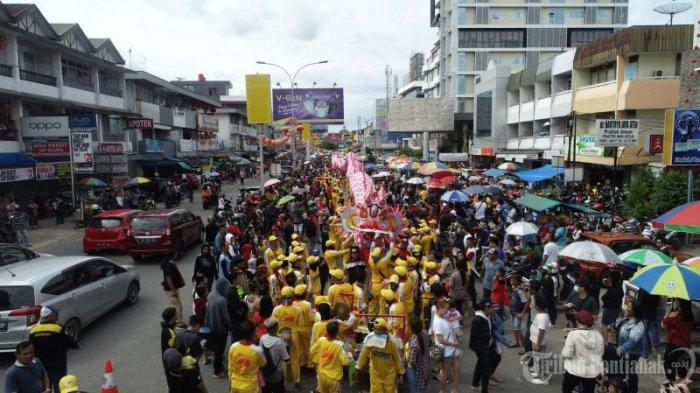 FOTO: Pawai Naga Pada Perayaan Cap Go Meh di Kota Pontianak - pawai-naga-memperingati-perayaan-cap-go-meh-4.jpg