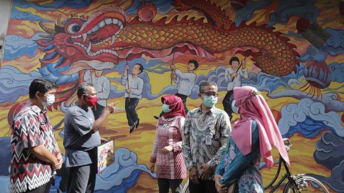 Disporapar Kalbar Dukung Pengembangan Destinasi Mural Chinatown di Gang Gajamada 9