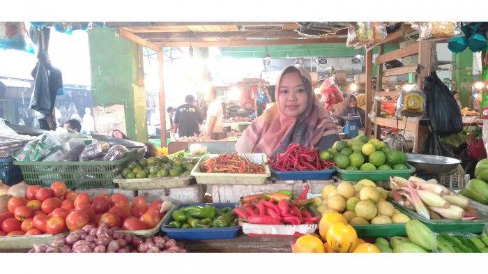 Keluhan Pedagang, Harga Cabai Pasar Kemuning Melambung Tinggi