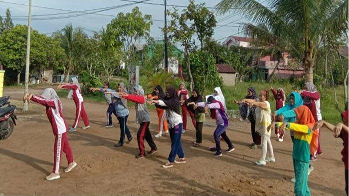 Dosen STIK Muhammadiyah Pontianak Ajak Lansia Senam Sehat dan Pendidikan Kesehatan