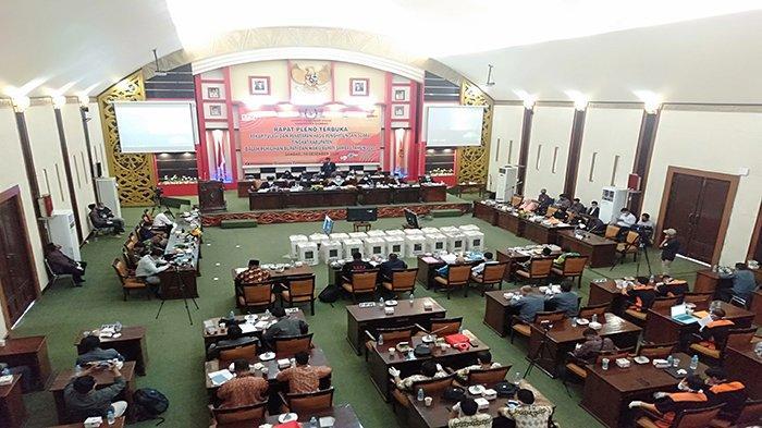 KPU Sambas Gelar Rapat Pleno Tingkat Kabupaten
