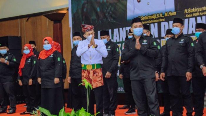 Pelantikan Ketua Laskar Madura Kalimantan Barat, Guntur Perdana SH bersama jajaran pengurus periode 2021-2026 di Hotel Kapuas Palace, Selasa 15 Juni 2021