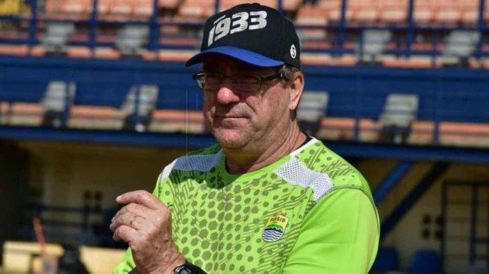 Pelatih Persib Bandung Robert Rene Alberts Optimis Maung Bandung Bersaing di Papan Atas Liga 1 2020