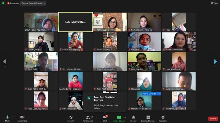 """Para peserta pelatihan online Guru Kebinekaan """"Keberagaman untuk Masa Depan Anak"""" pada, Jumat 19 Maret 2021. Pelatihan diselenggarakan Pusat Kegiatan Belajar Masyarakat (PKBM) Sekolah Alam Terpadu Cerlang Pontianak dan Yayasan Suar Asa Khatulistiwa, didukung oleh Yayasan Cahaya Guru."""