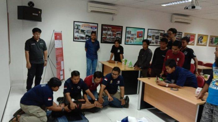 Komunitas Honda Kalbar Dalami Materi Basic Life Support