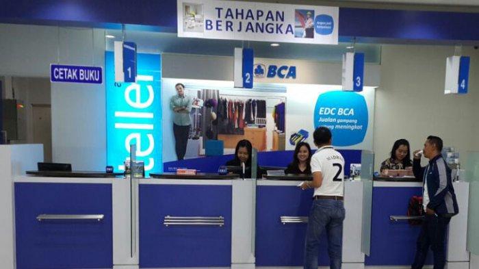 Pelayanan di KCU BCA baru-baru ini. Hampir semua bank menawarkan KPR yang bisa diakses masyarakat