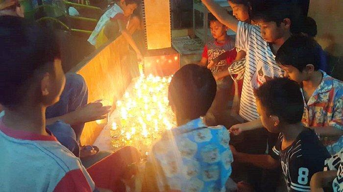 Budayakan Tradisi Ramadhan, Forum Sampan Beting Permai Lakukan Pemasangan Pelite Keriang Bandong