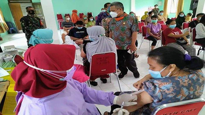 Wujudkan Herd Immunity, Bupati Muda Tinjau Vaksinasi di Ambawang Kubu Raya