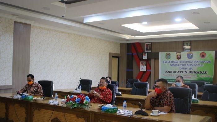 Bupati Sekadau Ikuti Rakor Pilkada 2020 Bersama Mendagri RI Tito Karnavian via Video Conference