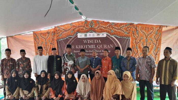 Bentuk Masyarakat Desa Islami di Kubu Raya Via BIDESI, Pemuda Mujahidin Kalbar Tebar Alquran & Iqro' - pemuda-mujahidin-kalimantan-barat-melakukan-kegiatan-bina-desa-islami-bidesi.jpg