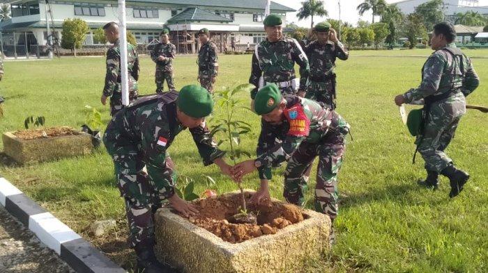 Gerakan Indonesia Menanam Pohon, Dandim 1202/Skw Hijaukan Makodim