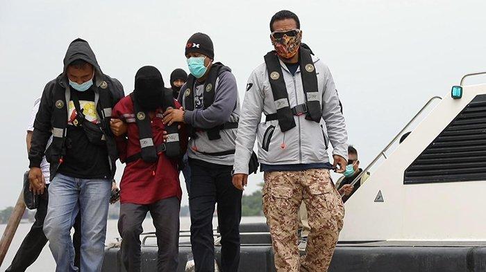 TRIBUNPONTIANAK.CO.ID/Istimewa Penangkapan terduga teroris di Kalimantan Barat oleh Densus 88 Anti Teror. File Polda.