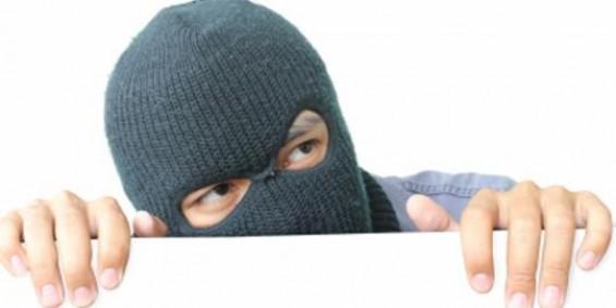 Dua Pria Komplotan Pencuri Ratusan Meter Kabel di Pontianak Diringkus Polisi, Dua Lainnya Buron.