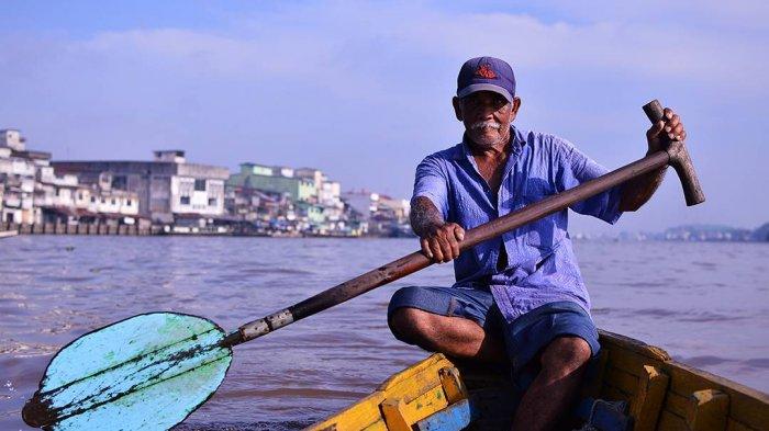 Merapah Sungai Kapuas, Mencari Rezeki sebagai Pendayung Sampan - Halaman  all - Tribun Pontianak