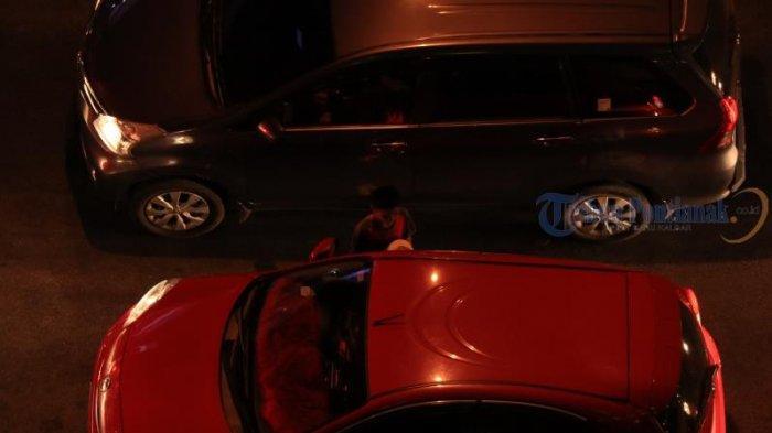 FOTO: Meski Ada Larangan, Pengamen dan Peminta Sumbangan Berkeliaran di Simpang Lampu Merah - pengamen3.jpg