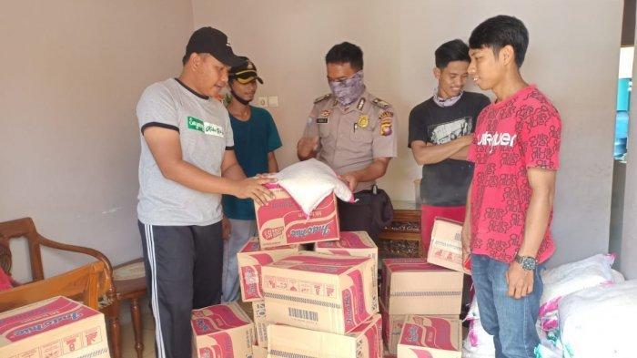Donatur Penggalangan Bantuan Relawan Covid-19 Distribusikan Sembako ke Warga Desa Pematang Tujuh